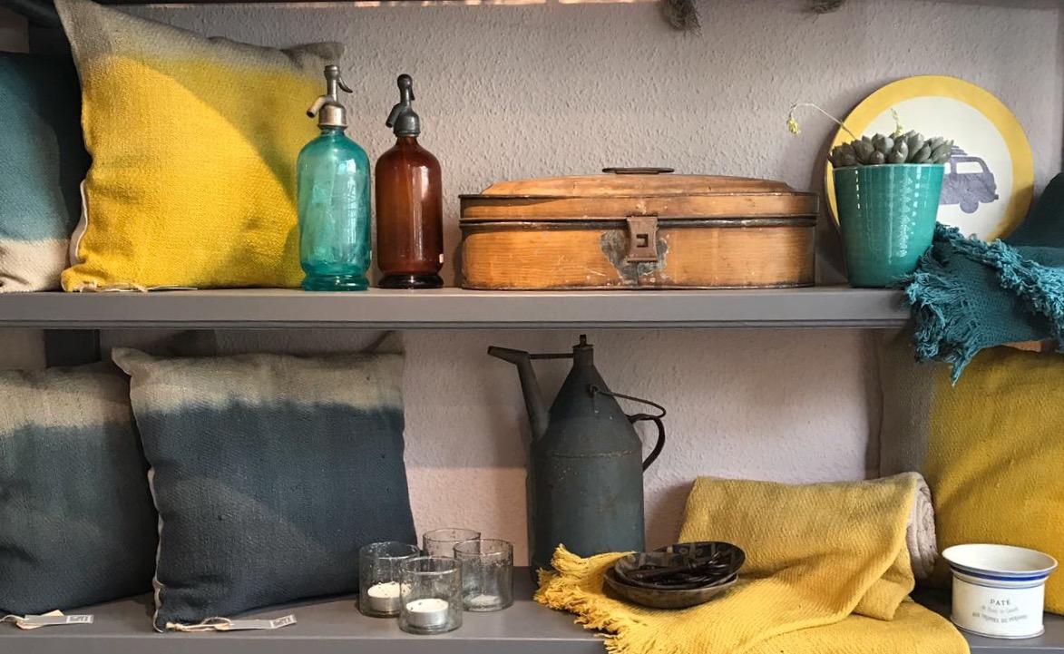 um die ecke d sseldorf zooviertel mode. Black Bedroom Furniture Sets. Home Design Ideas
